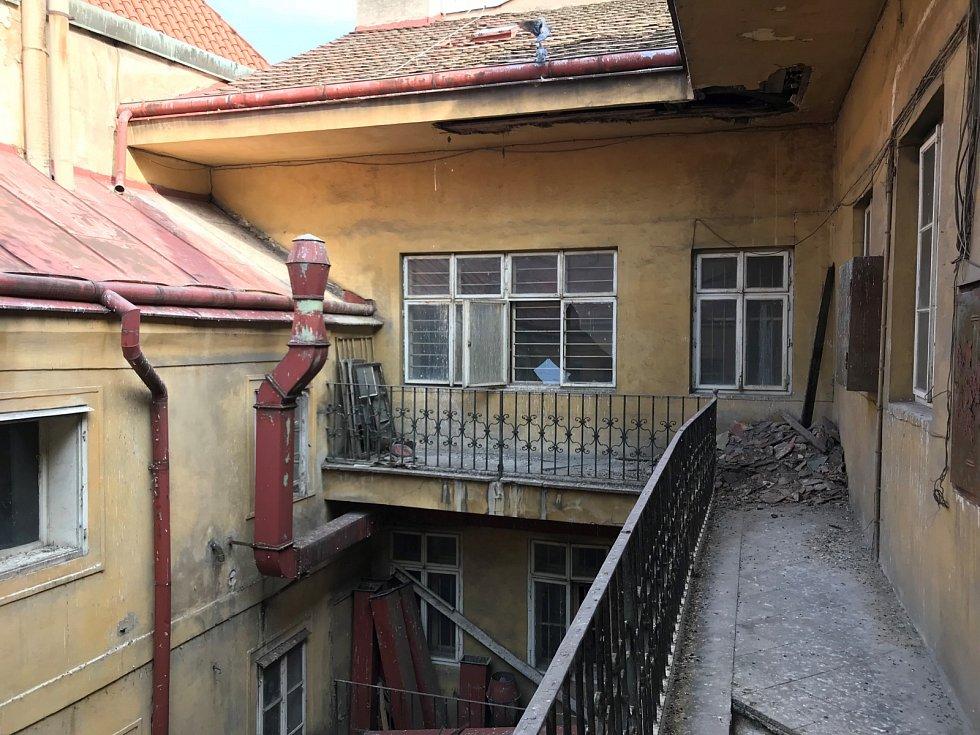 Současný stav domu U Sixtů.