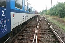 Nehoda na výhybce zastavila provoz na turnovské trati