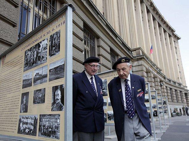 Zahájení výstavy Cestami odboje k 30.červnu 1918 ke Dni ozbrojených sil za účasti náčelníka generálního štábu Josefa Bečváře. Vítězné náměstí 29.června.