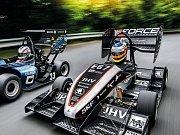 Formule týmů CTU CarTech a eForce FEE Prague Formula