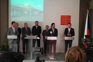 Představení výsledků zátěžových zkoušek mostu u Vltavské.