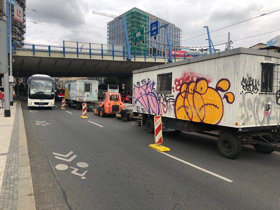 Dopravní situace v okolí pražského Anděla 9. července 2019.