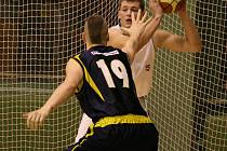 Basketbalisté Sokola pražského si doma poradili s Benešovem.