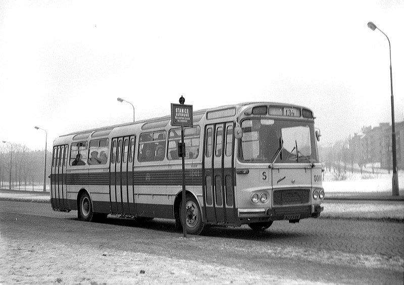 Autobusy v Praze slaví 21. června 2020 významné jubileum – před 95 byl zaveden jejich provoz. Na snímku je vůz Karosa ŠM11.
