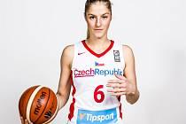 Karolína Elhotová.