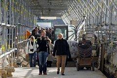 V sobotu 18. října se konal den otevřených dveří na rekonstruovaném Karlově mostě.