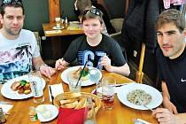 Štěpán Kratochvíl z Litovle poobědval v Praze s olympionikem Davidem Svobodou.