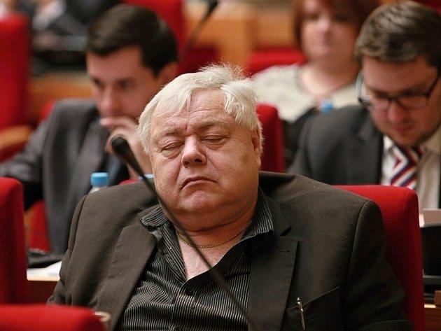 Ze zasedání zastupitelstva hlavního města Prahy ve čtvrtek 28. dubna 2016. Na snímku Jaroslav Štěpánek.