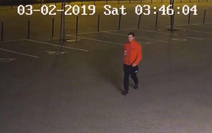 Muž podezřelý ze znásilnění.