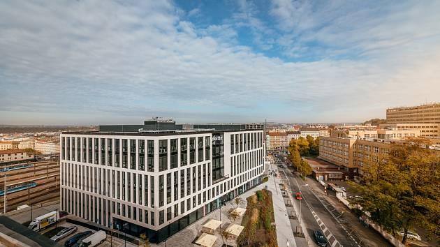 Churchill. Nové kancelářské centrum propojující Prahu 1, hlavní nádraží a začátek Vinohrad zaujalo porotce a zvítězilo v hlasování veřejnosti.