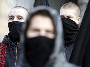 Pochod radikálů Brnem.