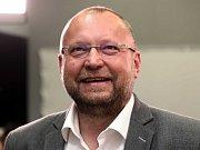 Čekání na výsledky voleb ve štábu KDU-ČSL, na snímku Jan Bartošek.