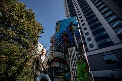 Otevření hostelu společnosti A&O a odkrytí části z berlínské zdi s portrétem bývalého německého ministra zahraničí Hanse-Dietricha Genschera proběhlo 4. října v Praze. Na snímku CEO A&O Oliver Winter.