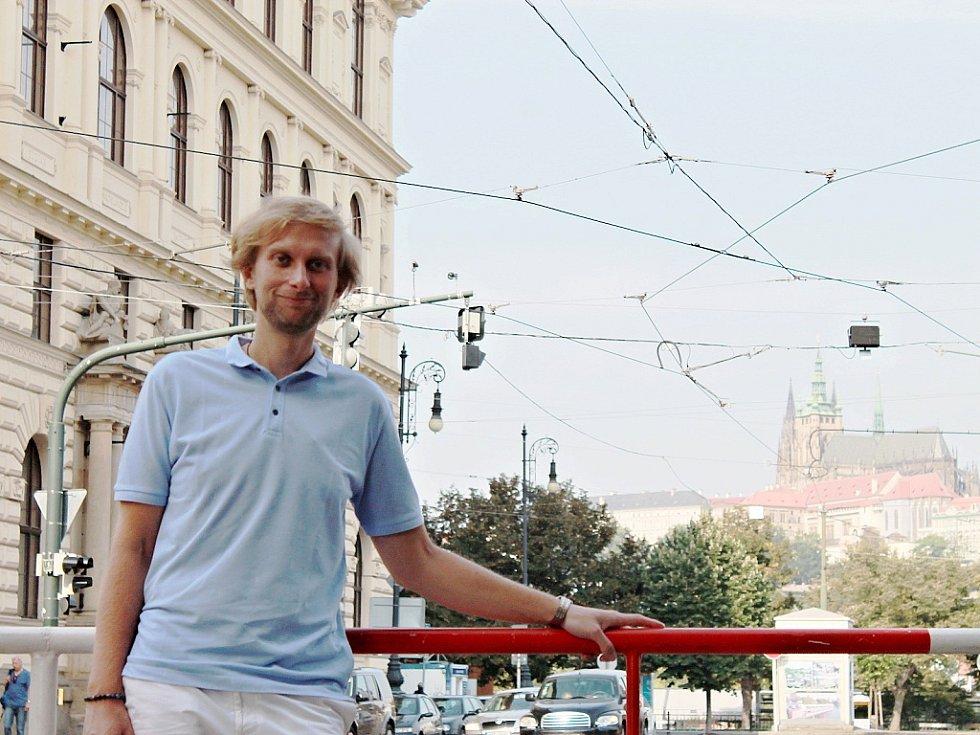 Pianista Ivo Kahánek je považován za jednoho z nejpůsobivějších umělců své generace. V současné době je také jedním z účinkujících na mezinárodním hudebním festivalu Dvořákova Praha.
