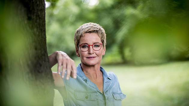 Moderátorka Marcela Augustová při fotografování pro Deník 7. července v Praze.