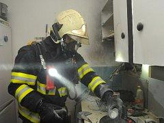 Likvidace požáru v Pavlíkově ulici.