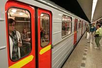 38. výročí zahájení provozu metra a vypravení historické soupravy Ečs.