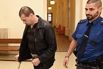 Soud s Goranem Planinčičem, který se zpovídá z pokusu o vraždu.