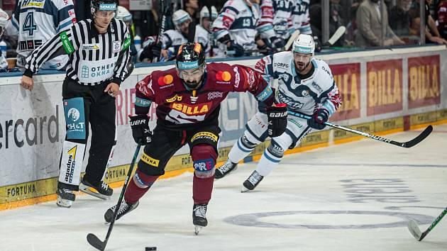 Bitva Sparty s Brnem přinesla téměř devíti tisícovkám fanoušků perfektní hokejovou podívanou a výhru sparťanů 3:2 po prodloužení.