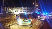 Pražská cizinecká policie hledala v kamionu běžence.