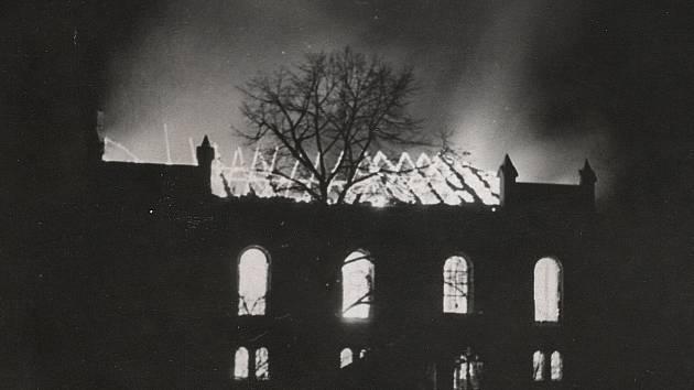 Výstava s názvem Zničené židovské památky severních Čech 1938-1989