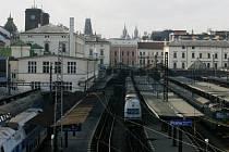 JE UŽ ROZHODNUTO? Starostům středočeských obcí, stejně jako dalším lidem, vadí rychlý postup pražských radních při plánování zrušení Masarykova nádraží.