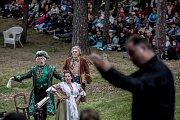 Již tradiční operní představení v přírodním divadle v pražské Šárce, tentokráte Dvořákův Jakobín, proběhlo 3. září.