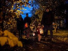 Lampionový průvod prošel pražským Jižním Městem.