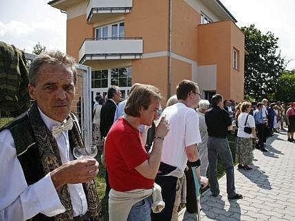 Do nového domova se první obyvatelé nastěhují v polovině června.