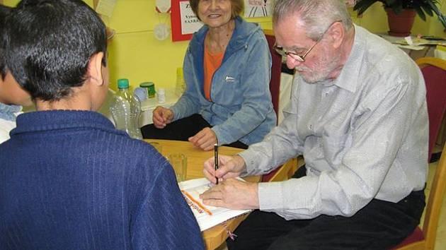 Dagmar Lhotová, Z. K. Slabý v rokycanské knihovně.