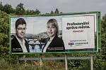 Volební billboard pro komunální volby 18. července v Praze. Jiří Pospíšil, Hana Marvanová, TOP 09