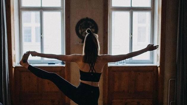 Silvestrovská jóga
