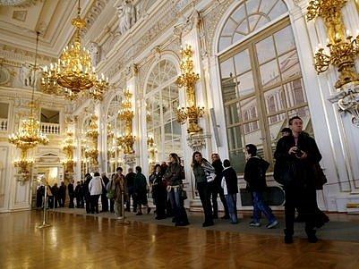 ŠPANĚLSKÝ SÁL. Byl jedním z prostor, které si mohli návštěvníci v sobotu prohlédnout v rámci Dne otevřených dveří na Pražském hradě.
