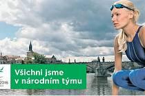 Helena Žeťová v roli plavkyně.