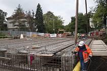 Rekonstrukce mostu v ulici Korunovační.