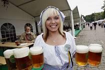 PIVO ZA TOLAR. Český pivní festival si pro svůj první ročník vytkl nemalý cíl, přilákat více než 150 tisíc návštěvníků.