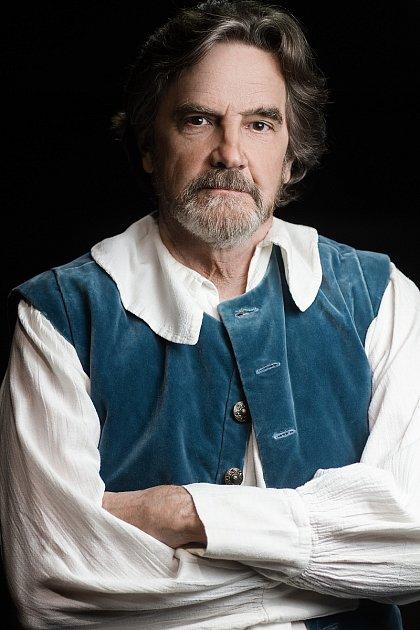 Herec Lane Davies jako Don Quijote.