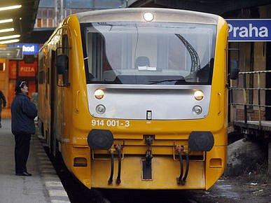 OKRUŽNÍ JÍZDY. Z Masarykova nádraží vyjíždí speciální Regionova v 10.04, 11.24, 14.04, 15.34 a 17.04.