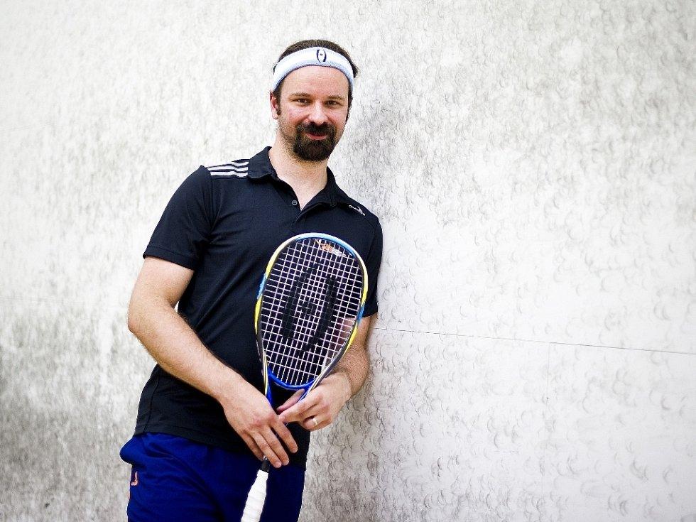 TRENÉR Jan Roll dává squashi maximum. Díky tomu patří ke špičkám svého oboru a neminuly jej ani zahraniční nabídky.