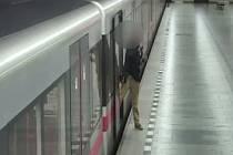 Střelec z metra.