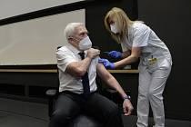 Chirurg Pavel Pafko se nechal 27. prosince 2020 jako první v motolské nemocnici v Praze očkovat proti nemoci covid-19.