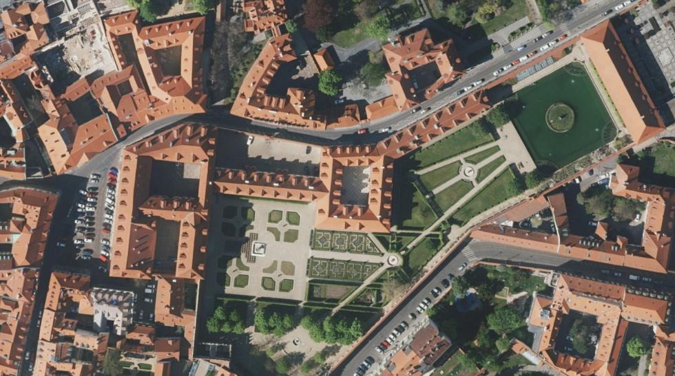 Letecké snímky Prahy.