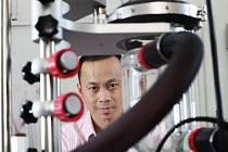 Nguyen Hong Vu přijel do socialistického Československa jako sedmnáctiletý student v srpnu 1989. Teď pracuje na VŠCHT.
