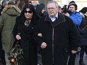 V Praze se koná poslední rozloučení s režisérem Václavem Vorlíčkem. Dorazila i Dagmar Patrasová, představitelka princezny Xenie ve slavném seriálu Arabela.