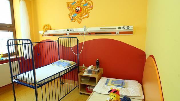 Pokoj v dětském oddělení v nemocnici. Ilustrační foto.