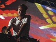 DJ Loutka.