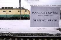 Uzavřený podchod pod železniční tratí u ulic Mezitraťová a U Elektry 22. února v Praze.