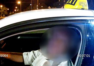 Zadržení taxikáře se zákazem řízení
