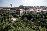 Čtvrť Nusle 17. srpna v Praze. Nusle, Folimanka, park, Nuselský most, Corinthia, Kongresový palác, bydlení, činžovní dům, činžák