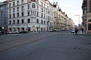 Ulice Dukelských hrdinů je již v současnosti živou obchodní ulicí se zklidněným provozem.